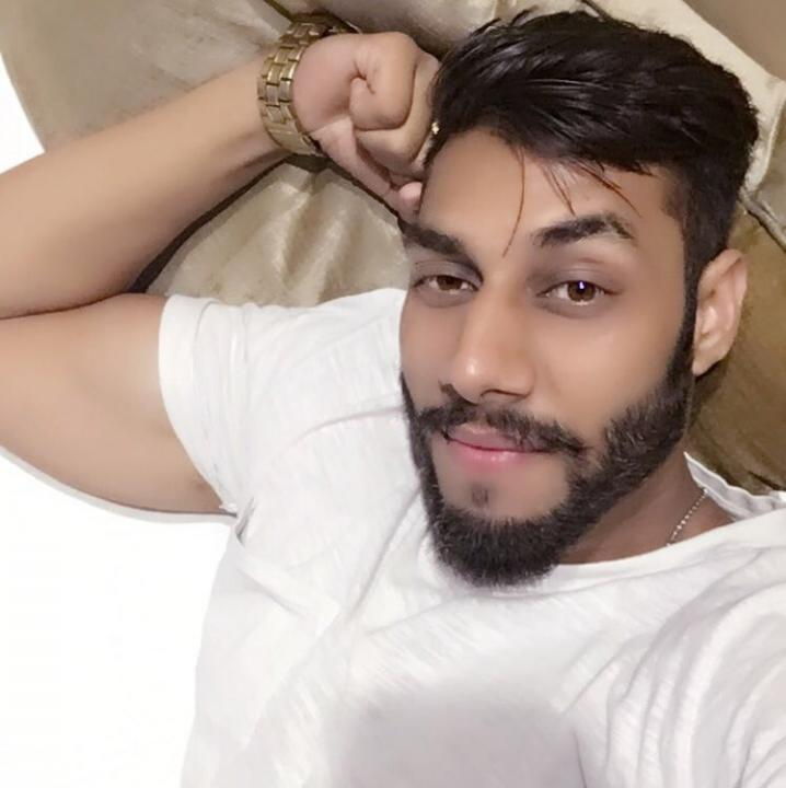 Shahrukh 😍😘😎